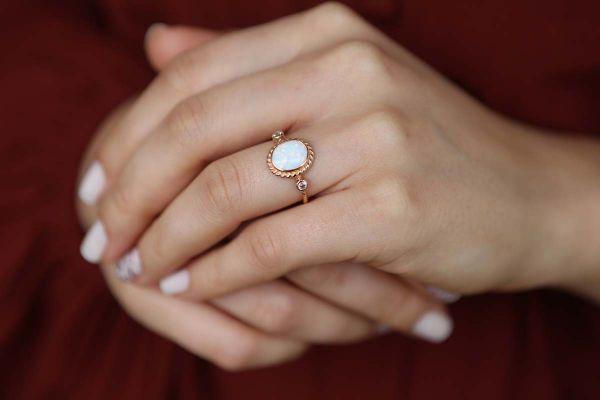 Opal Taşlı Rose Altın Yüzük