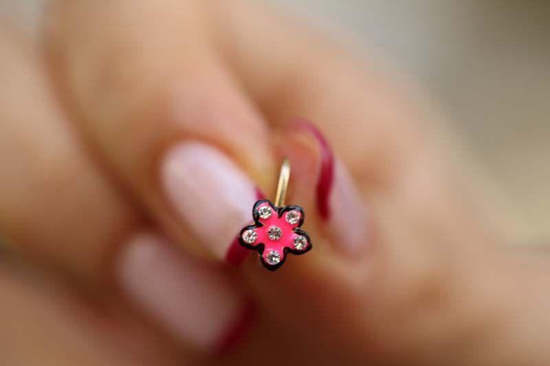 Çiçek Altın Çocuk Küpesi